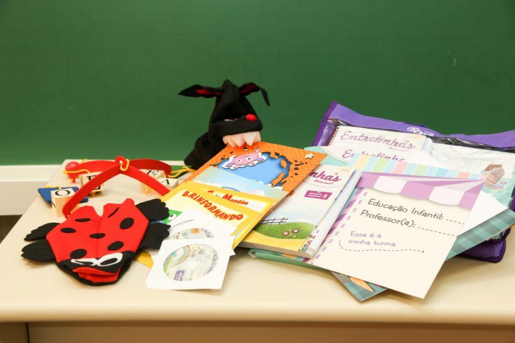 Educação recebe 12 mil kits pedagógicos reforçar qualidade do ensino